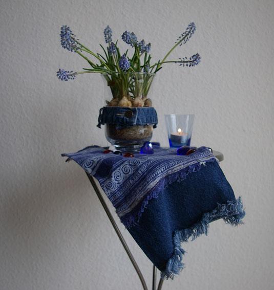 Deko-Ideen: Perlhyazinten und Jeans