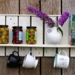 DIY Regal Selbermachen: Segelschiffe mit farbigem Glas von Schlüter Home Design (Upcycling Blog und Shop)